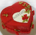 Kalpli sevgililer günü pastası